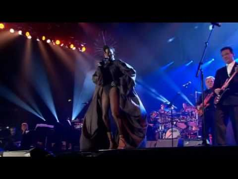▶ Grace Jones - Slave to the Rhythm - Live At Wembley Arena, London 2004 - YouTube