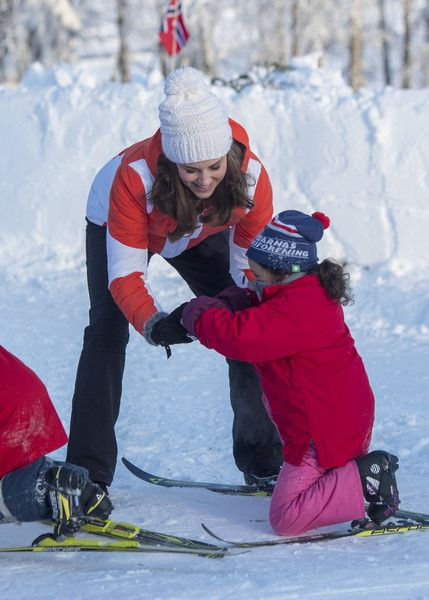 Kate Middleton Photos - Catherine, Duchess of Cambridge attends an event organised by the Norwegian Ski Federation, with Prince William, Duke of Cambridge, where they join local nursery children in a number of outdoors activities at Holmenkollen ski jump on day 4 of their visit to Sweden and Norway on February 2, 2018 in Oslo, Norway. - The Duke and Duchess of Cambridge Visit Sweden and Norway - Day 4