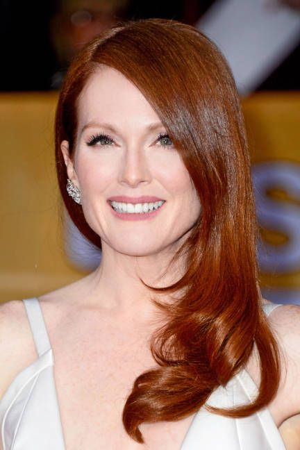 Glossy strands and perfectly simple makeup on Julianne Moore at the SAG Awards 2013