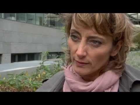 Comment parler des attentats aux enfants ? - Hélène Romano - #LesMaternelles - YouTube