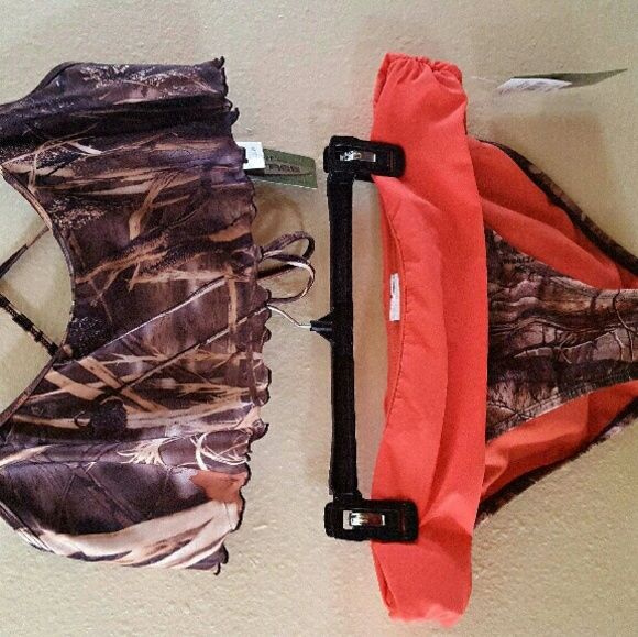 Camo swimsuit Camo 2-piece swimsuit Top size Medium (runs a bit big) Bottom size…