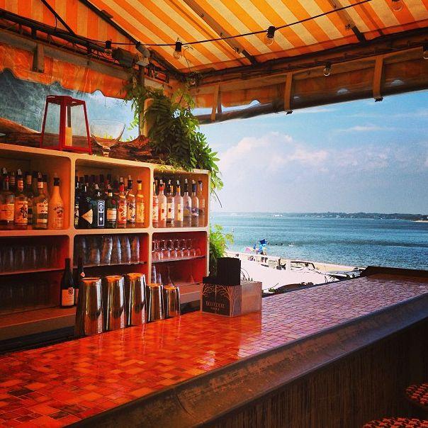 Bar at SUNSET BEACH. SHELTER ISLAND.