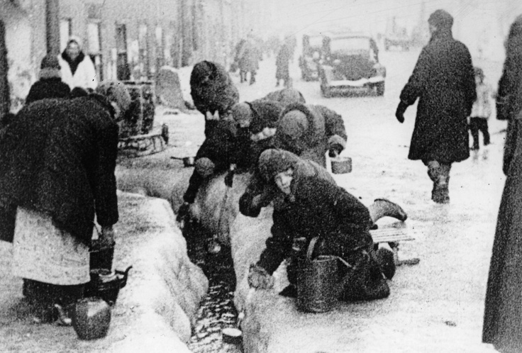 This photo, taken in the winter months of 1942, shows citizens of Leningrad as they dip for water from a broken main, during the nearly 900-day siege of the Russian city by German invaders. Unable to capture the Leningrad (today known as Saint Petersburg), the Germans cut it off from the world, disrupting utilities and shelling the city heavily for more than two years.: Broken Maine, Forget Wwii, Winter Months, Russian Cities, 900 Day, Ap Photos, War Ii, Cities Heavili, Leningrad Today