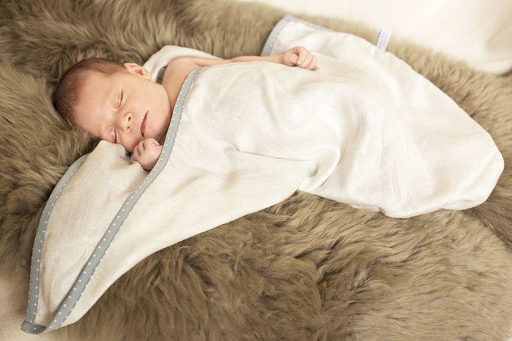 supeRRO+newborn++-+a+ecru+bamboo+blanket-cocoon+from+LULLALOVE+by+DaWanda.com