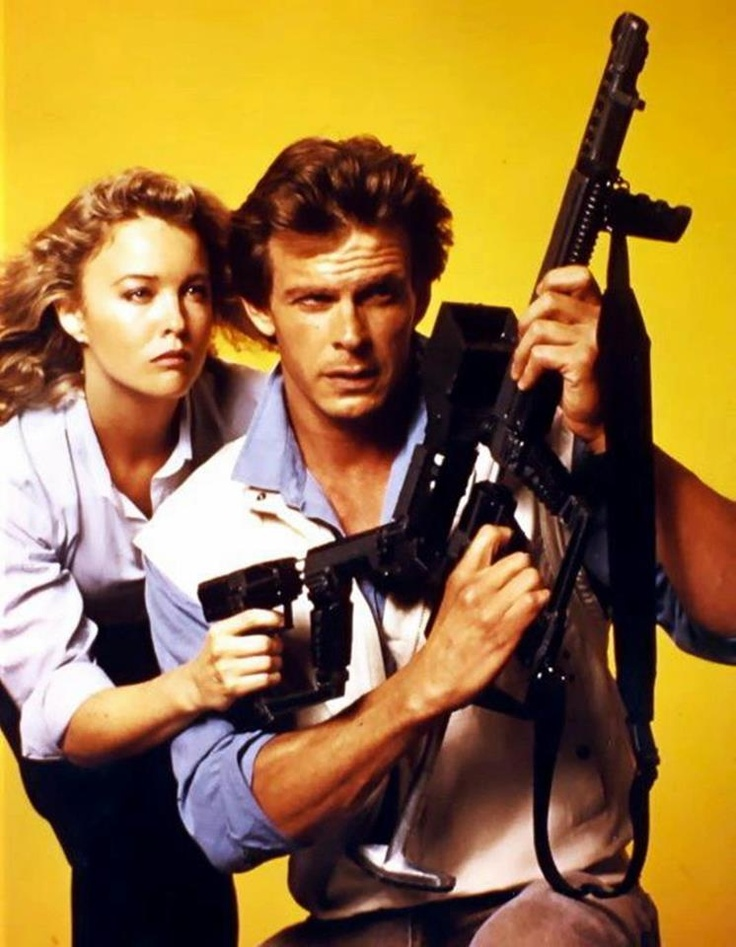 "Marc Singer as Mike Donovan and Faye Grant as Juliet Parish in ""V"" (TV Series)"