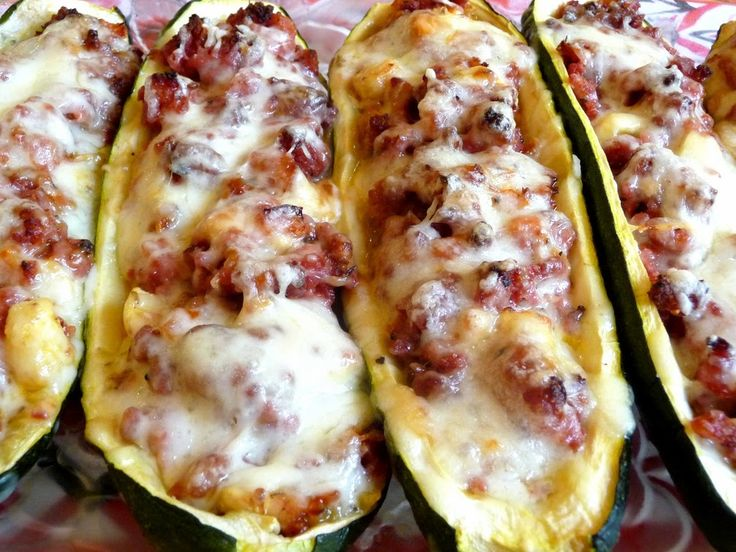 SPLENDID LOW-CARBING BY JENNIFER ELOFF: STUFFED ZUCCHINI BOATS - Fun way to use up those zucchinis...such a great presentation. ~ Visit us for more recipes at:https://www.facebook.com/LowCarbingAmongFriends AND https://www.facebook.com/LowCarbHitParade