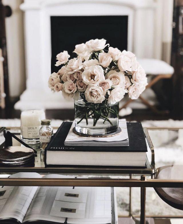 Rosa Rosen. ~ ETS #blumen – #Blumen #coffeetables …