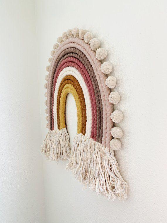 P I P E R Extra große pastellfarbene Kunstwand aus Regenbogenfasern | Etsy – Baby – #AR …   – Wandteppich