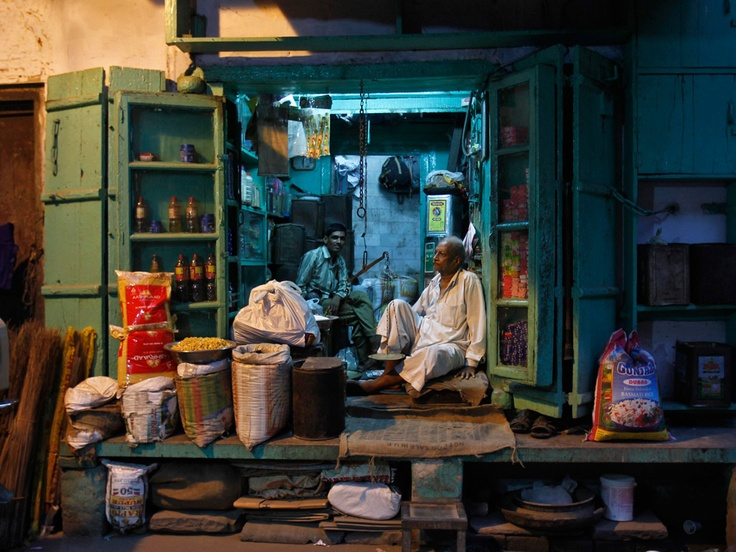 A 'kirana', or general store, in Delhi's old quarter. Shop owners staged a strike over the government's decision to allow western supermarkets into India on Thursday. Photo by Mansi Thapliyal.