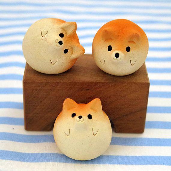 La figurine de Inu Shiba de nouvelles céramiques !    « Boules de Shiba » Shiba est le chien japonais. Sculpture animale