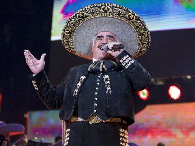 La asistencia del intérprete de música ranchera tiene como objetivo apoyar los intereses e impulsar el voto de las familias mexicanas y latinoamericanas en el vecino país del norte