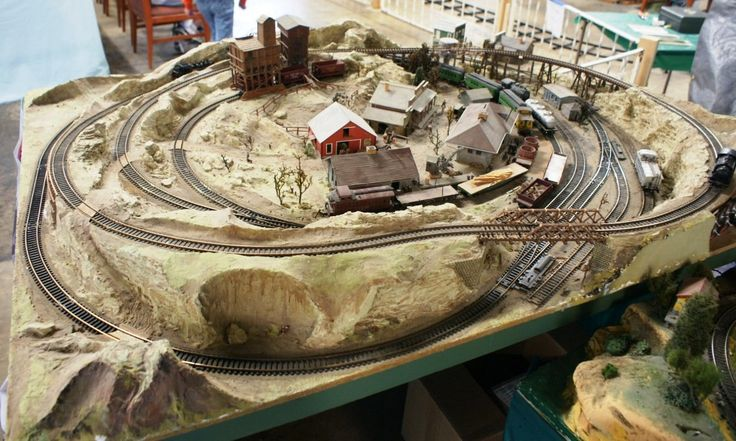 small ho scale train layout ideas   This small HO scale layout on
