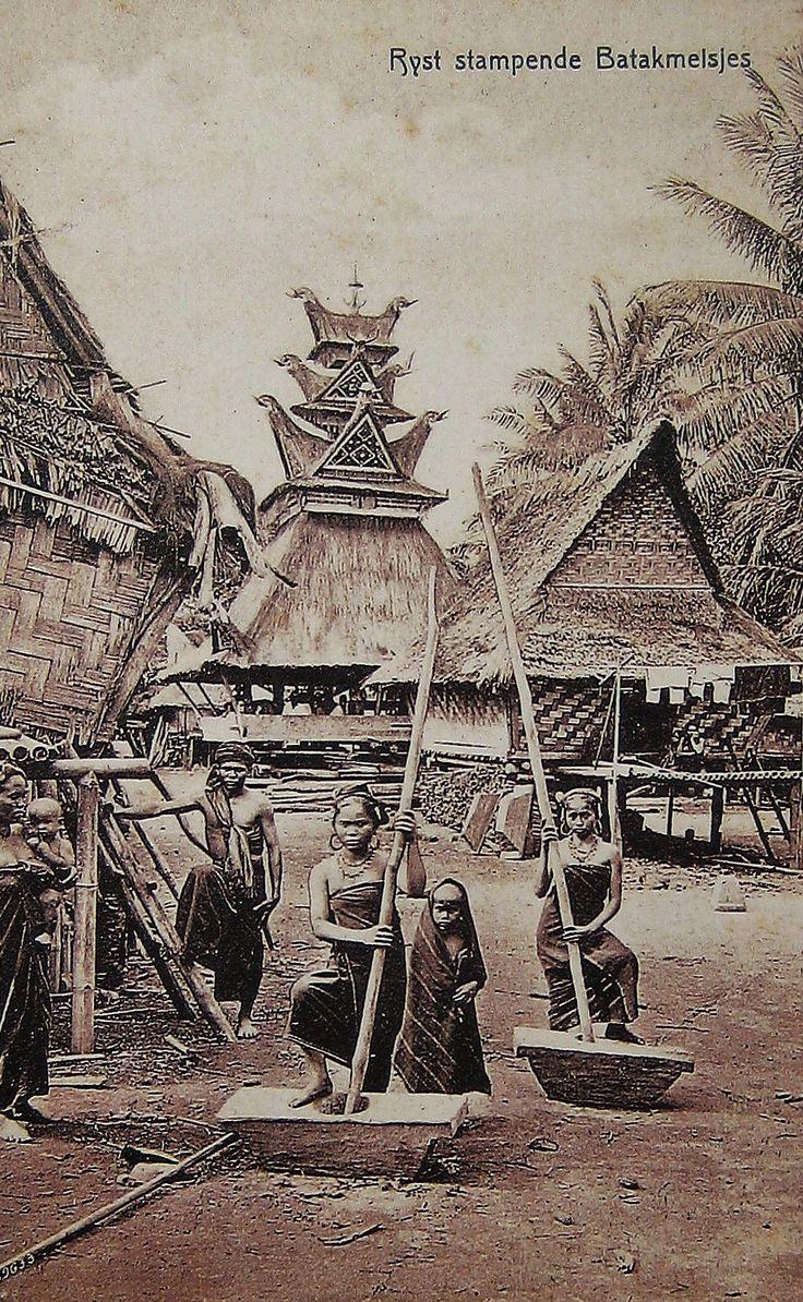 'Rijst stampende Batakmeisjes'