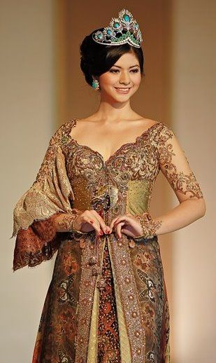 ~ Living a Beautiful Life ~ Kebaya by Anne Avantie