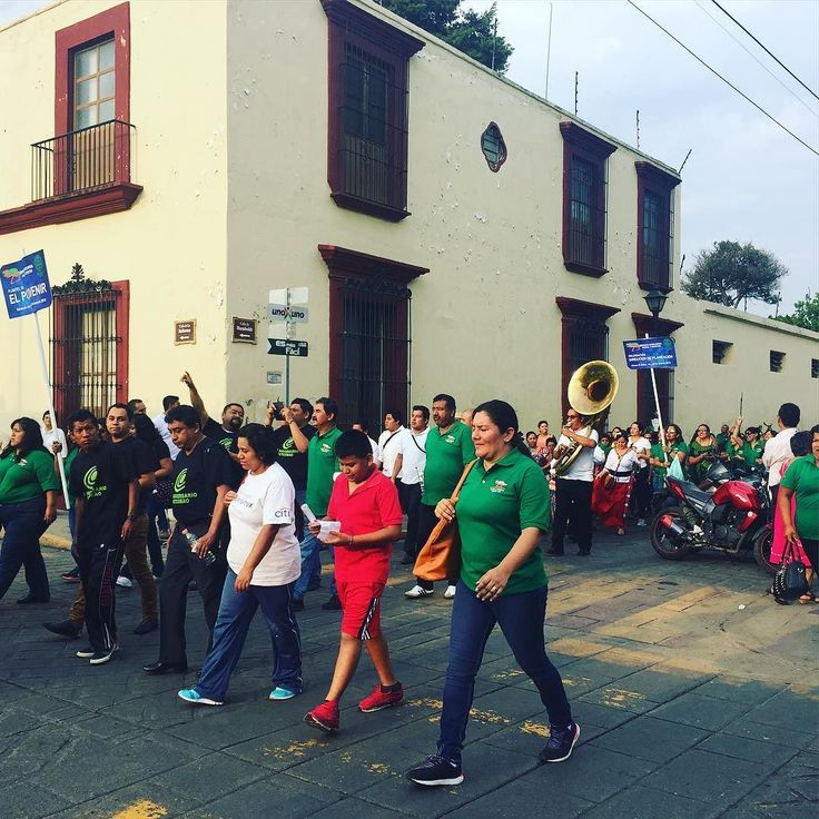 Brass bands marching the streets of Oaxaca gave us our farewell. For like 20 minutes on our way to catch a bus. Beautiful and nerve wracking. #Mexico #travel #Oaxaca #band #music