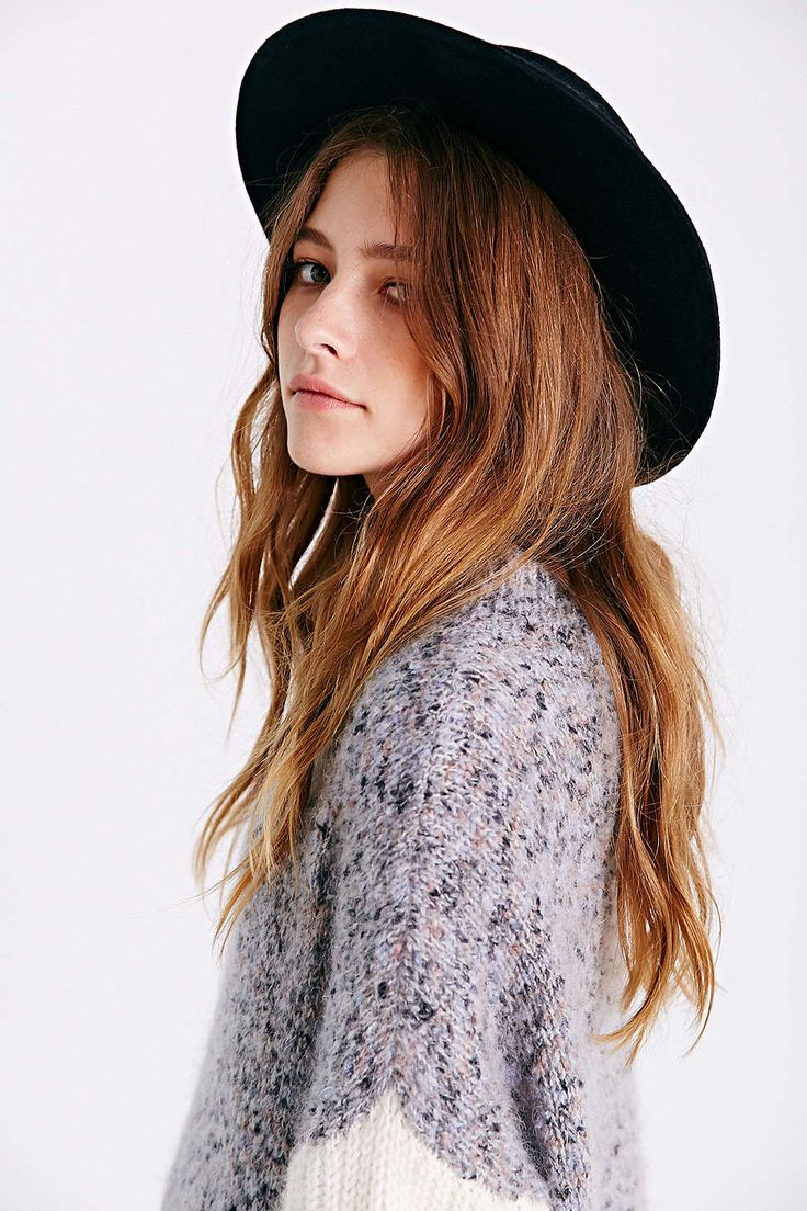 kind of really love her hair color.. must own a boater hat