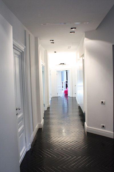 Abitazione privata, Casa bianca&nera, corridoio bianco e nero Progetto Arch.Luca Braguglia Photo Adriano Brusaferri