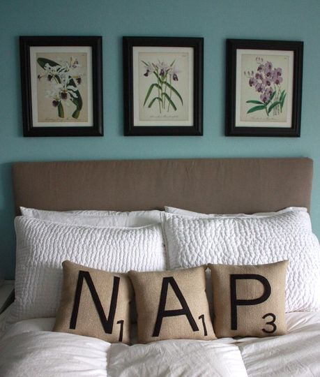 Messages on PillowsWall Colors, Bedrooms Pillows Diy, Cute Diy Bedrooms Ideas, Guest Bedrooms, Scrabble Pillows, Scrabble Tiles, Pillows Talk, Guest Rooms, Scrabble Letters
