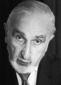 Bernard Musson, né le 22 février 1925 à Cormeilles-en-Parisis (Val-d'Oise), et mort le 29 octobre 2010 à Paris est un acteur français. Il est, avec Dominique Zardi et Robert Dalban, l'un des « troisièmes couteaux » les plus importants du cinéma français...