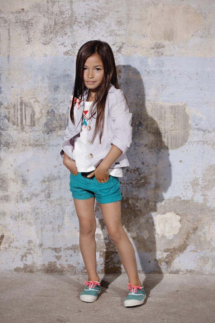 Kid girl - Beach