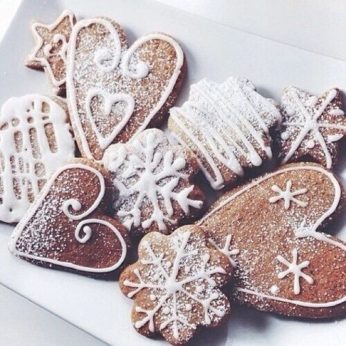 Snowflakes and hearts.. #Christmas