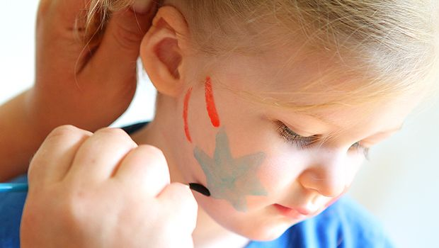 Homemade Face Paints for the Fireworks!!  Make lots of colours for Victoria/Labour Day, or just red and white for Canada Day