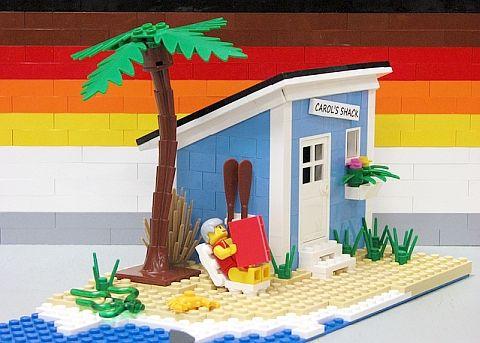 LEGO Model Beach House by Matt De Lanoy http://thebrickblogger.com/2012/08/building-lego-models-tips-from-the-pros/