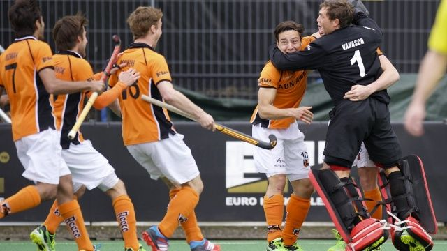 De Voogd lands epic EHL title for OZ