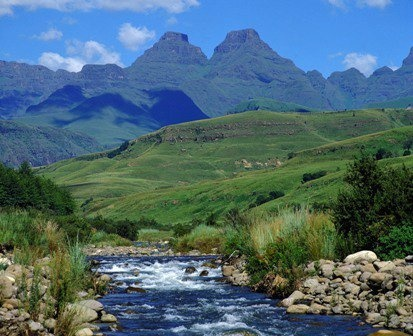 uKhahlamba (Drakensberg Mountains) - The Barrier of Spears, KwaZulu-Natal South Africa.