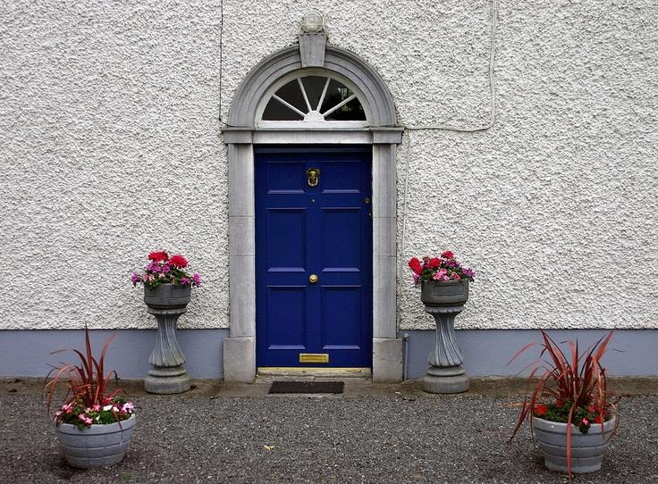 Blue front doors feng shui - Portal Blue Door Arched Portals White House Tardis Blue Front Door