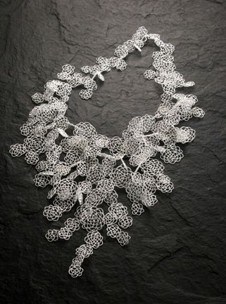 yufang.chi.  wire lace.