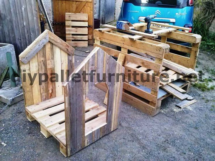 dog house with pallets 3DIY Pallet Furniture | DIY Pallet ... This gives me an idea but way better than the way this looks..