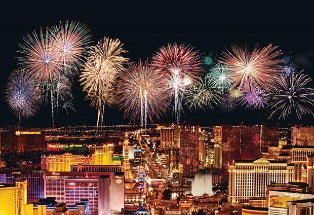 Nye Fireworks In Las Vegas Vegas New Years Fireworks Las Vegas New Years Eve Fireworks