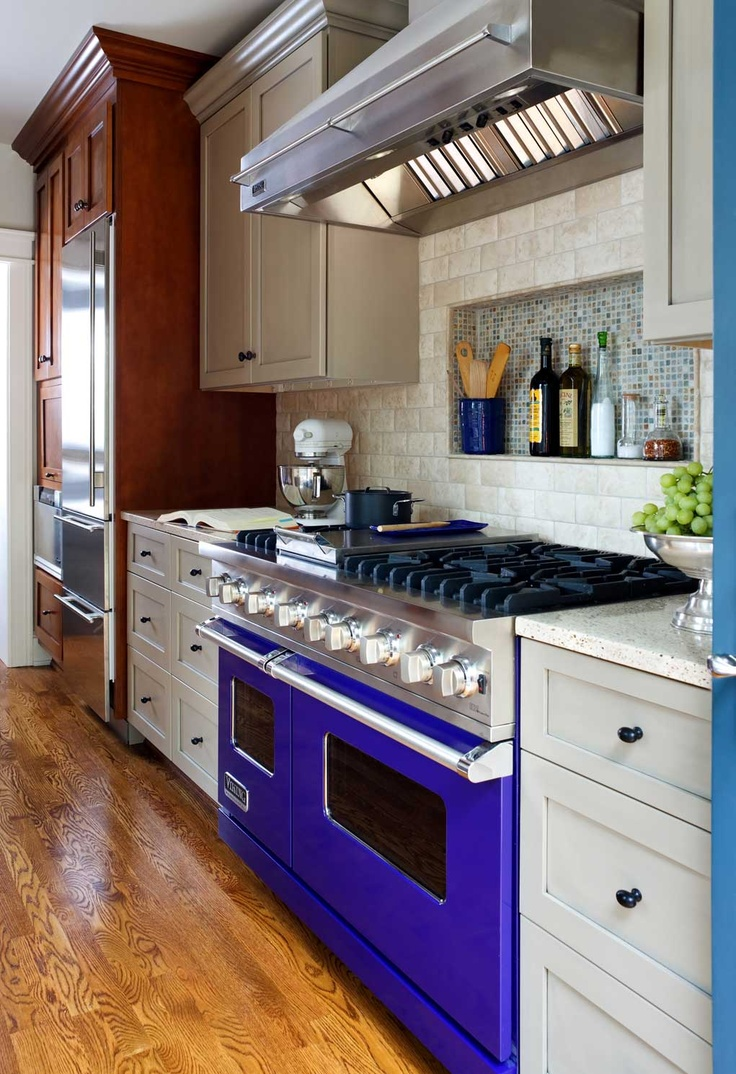 Merveilleux Fabulous Cobalt Blue Viking Gas Range With Custom Niche For Storing Cooking  Oils With Cobalt Blue Kitchen Accessories