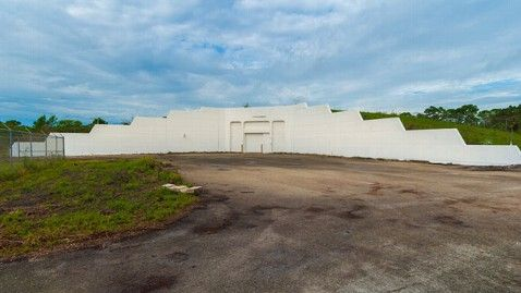 Florida Bomb Shelter For Sale as 'Ultimate Man Cave' - ABC News