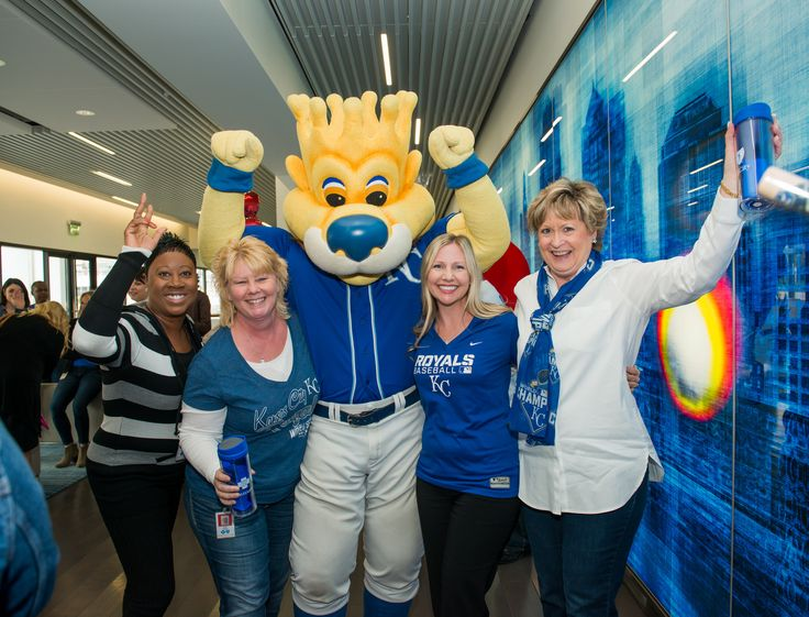 https://flic.kr/p/F9pErg | Royals Luncheon and Caring Program Gift Presentation
