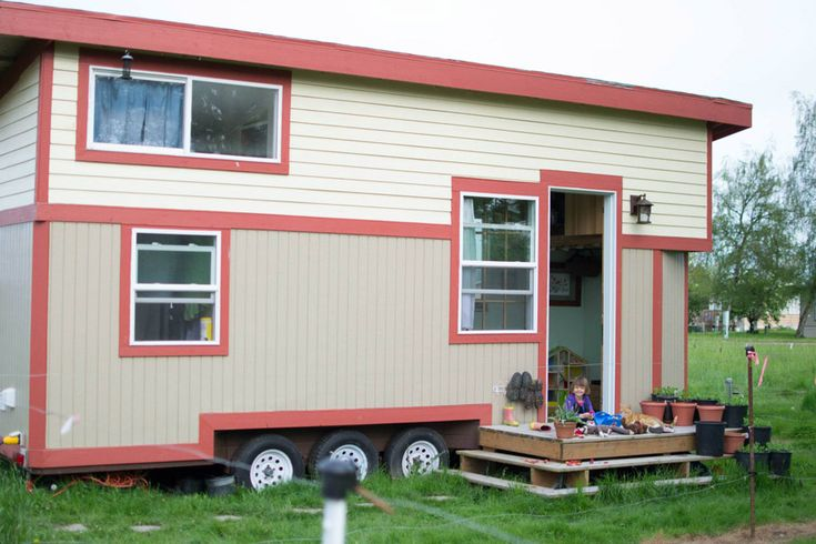 Corvallis tiny house a 280 square feet tiny house on for Small houses oregon
