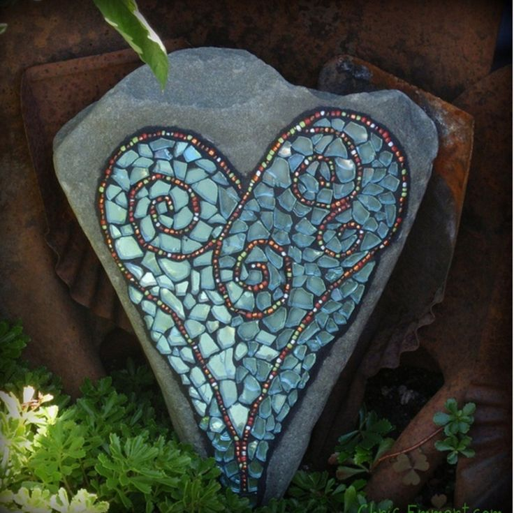 How to Mosaic and make beautiful objects for home and garden: Outdoor shower mosaic on a curved wall. Description from indulgy.com. I searched for this on bing.com/images