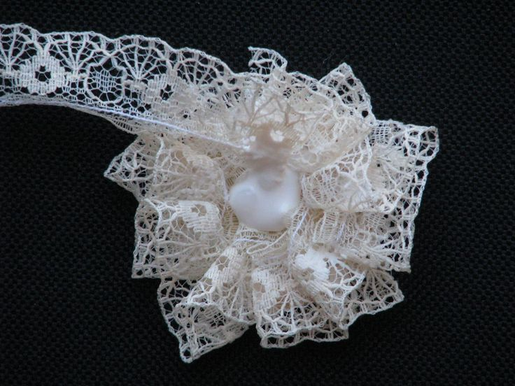SIMPLY PAPER: No sew lace flower