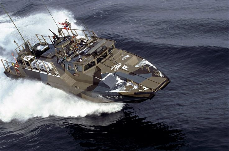 Stridsbåt 90 Coastal Patrol Boat The Sridsbåt 90 (Combat Boat 90) is a class of fast military assault craft originally developed for the Royal Swedish Navy by Dockstavarvet and is in use by Normay, Greece, Estonia, Mexico, and Malaysia. Armament: 3 Browning M2HB Machine Gun, 1 Mk 19 Grenade Launcher, and 4 naval mines or 6 depth charges