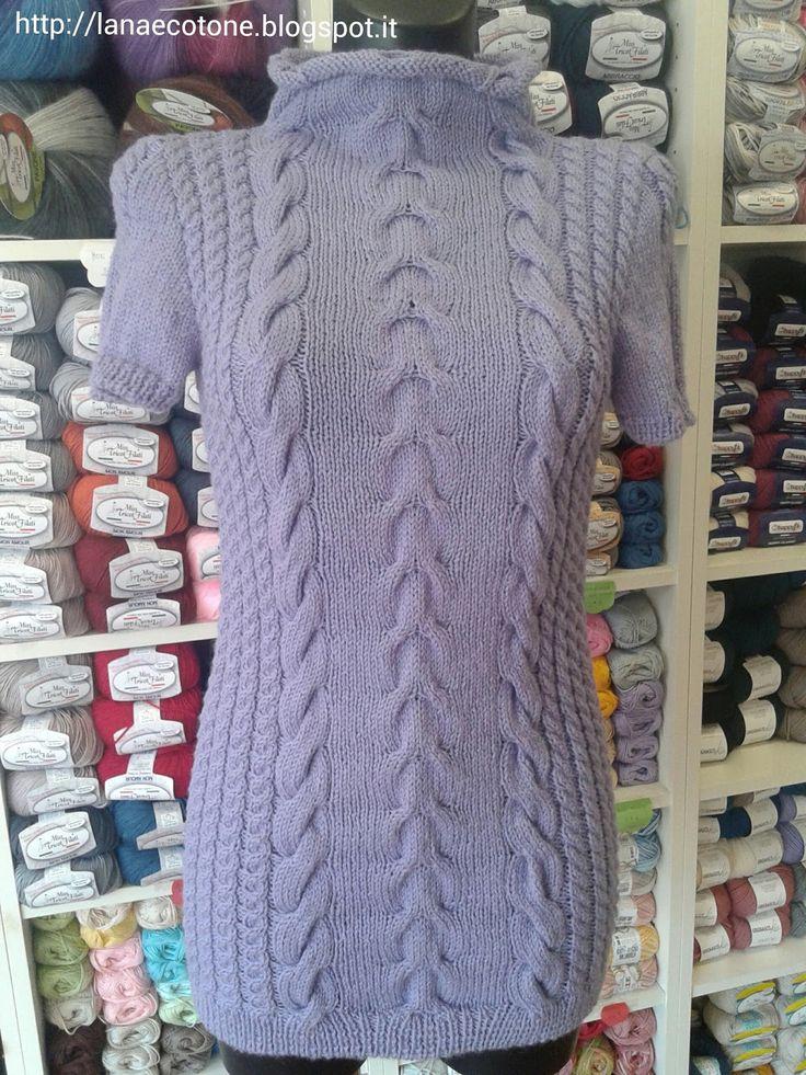 """Il modello originale di questo mini abito è su """"Magia della lana"""" collezione autunno inverno 2015-2016. Ho utilizzato 9 gomitoli da 50gr (1..."""