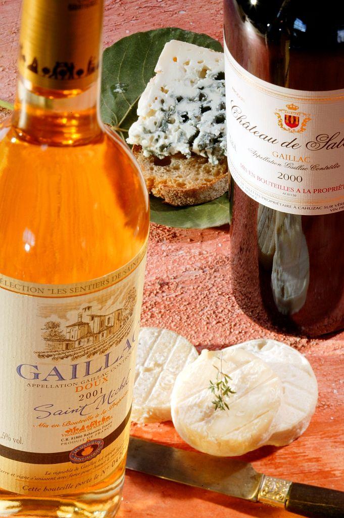 Fromages et vins de Midi-Pyrénées - Par CRT Midi-Pyrénées / Dominique VIET #TourismeMidiPy #MidiPyrenees #France #Gastronomy