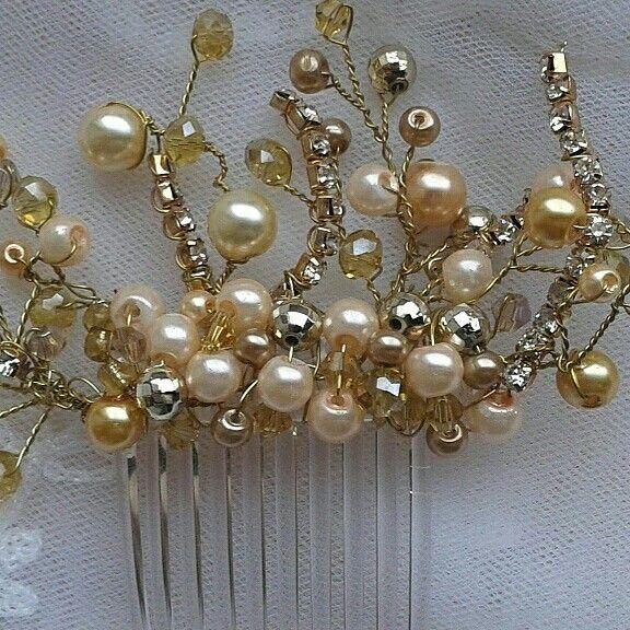 Gold comb wedding
