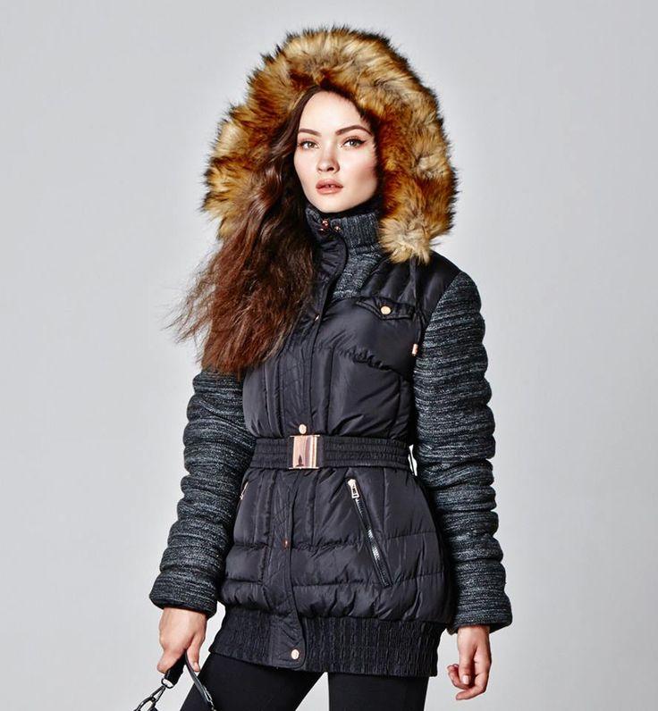 Γυναικείο μπουφάν, αποτελεί την τελική πινελία στο outfit μας, τους χειμερινούς μήνες! Φροντίστε το! https://www.doca.gr/en/fall-winter-15-16/clothes/puffer-jackets-fw15/36702-black-jacket-detail.html