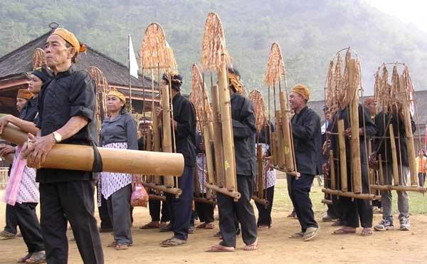 Dogdoglojor, Bamboo Music