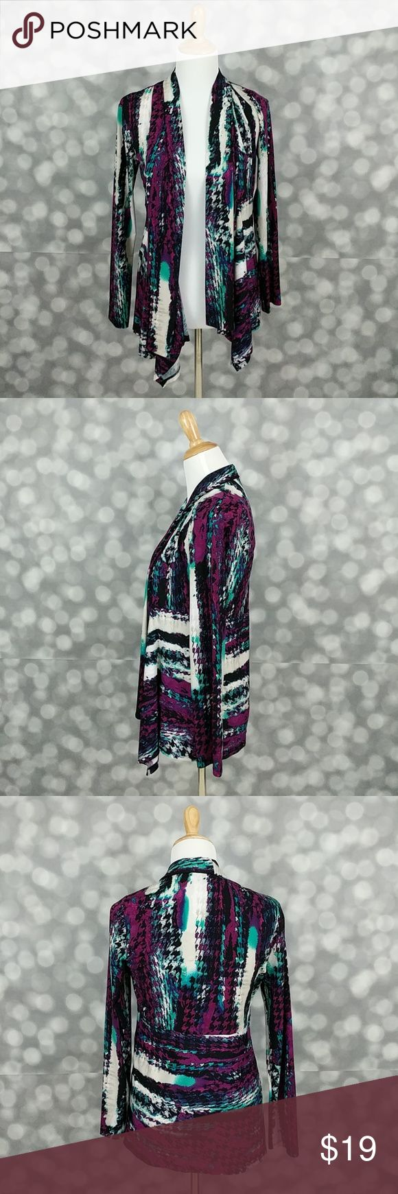 Kasper Open Cardigan Bold printed open cardigan from Kasper that would look great with a sheath dress or out with jeans!  Laying flat, cardigan is approximately 19 inches from armpit to armpit (easily adjustable) and is 25 inches in length in back. Kasper Sweaters Cardigans