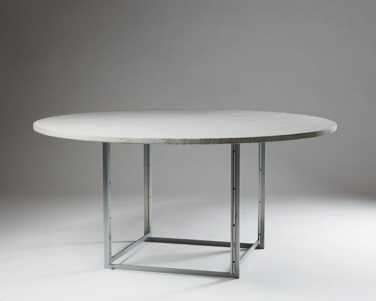 PK54 dining table designed by Poul Kjærholm