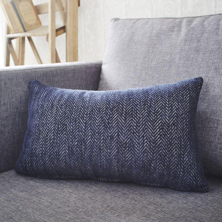 coussin winchester inspire bleu et blanc x cm. Black Bedroom Furniture Sets. Home Design Ideas