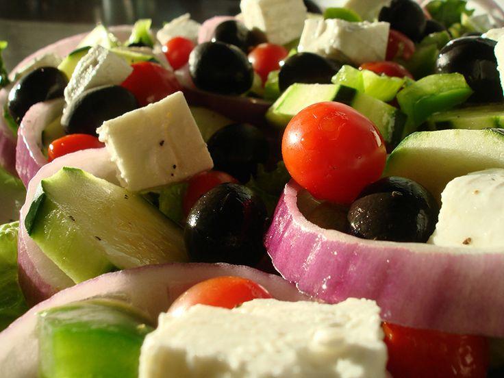 Salade grecque minute   .recettes.qc.ca