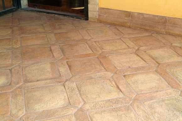 Photo of a coffered sandpapered handmade cotto floor |  Dryland